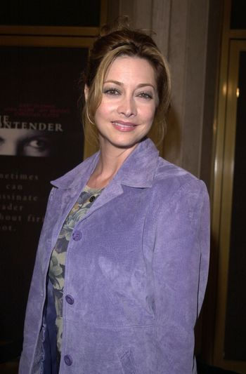 """Sharon Lawrence at the premiere of Dreamworks """"The Contender"""" in Westwood, 10-05-00"""