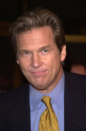 """Jeff Bridges at the premiere of Dreamworks """"The Contender"""" in Westwood, 10-05-00"""