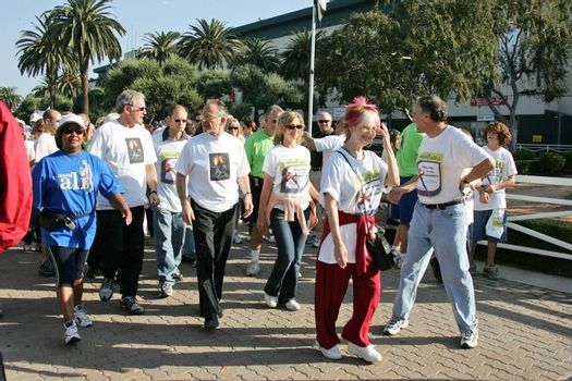 The Alzheimer's Association Memory Walk �04