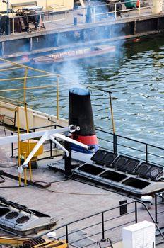Boat pollute