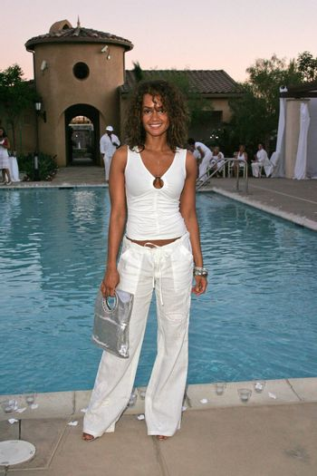 Tammy Townsend at the White Summer Pamper Party Hosted by G Report Magazine and H2O Skin Spa, Private Location, Porter Ranch, CA 07-31-05