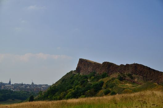 mountain in scotland called arthur seat