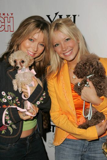 Ashley Peldon and Courtney Peldon at the In Touch Presents Pets And Their Stars Party, Cabana Club, Hollywood, CA 09-21-05