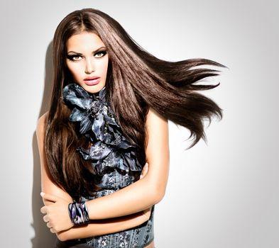Beauty Fashion Model Girl Portrait. Vogue Style Woman