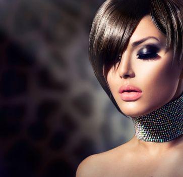 Fashion Beauty Girl. Gorgeous Woman Portrait