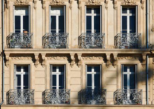 Classic windows in Marseille