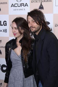 Diego Luna and Camila Sodi /ImageCollect