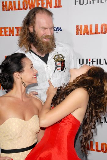 Tyler Mane with Danielle Harris and Scout Taylor-Compton /ImageCollect