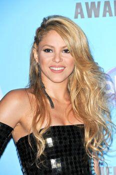 Shakira at the 2009 American Music Awards Press Room, Nokia Theater, Los Angeles, CA. 11-22-09