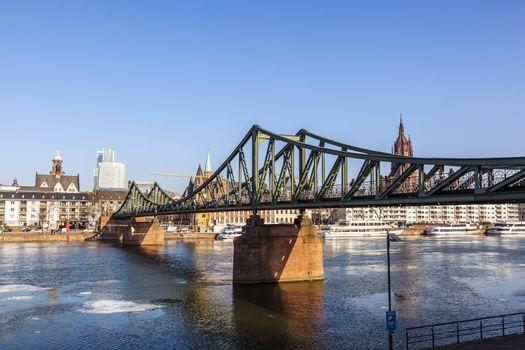 Eiserner steg at river Main