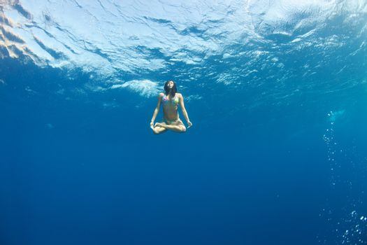 lotus position underwater