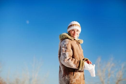 girl in winter day outdoors
