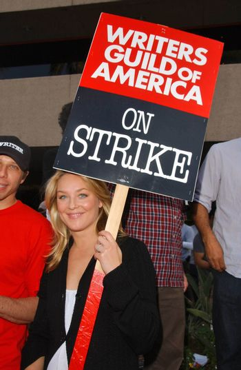 Elizabeth Rohm at the Writers Guild of America Picket Line in front of NBC Studios. Burbank, CA. 11-16-07/ImageCollect