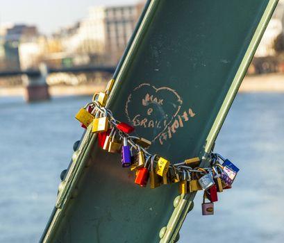 love lockers in Frankfurt