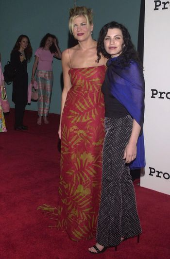 Kristen Johnston and Julianna Margulies at the 2nd Annual ALS Benefit at the Hollywood Palladium, 04-10-00