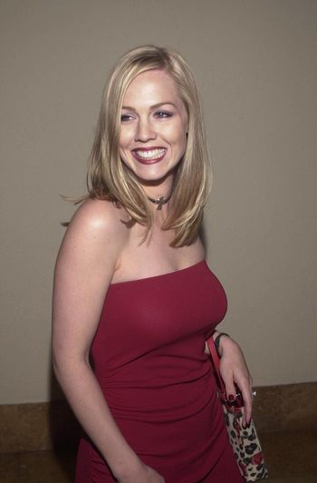 """Jennie Garth at the """"Beverly Hills 90210"""" series wrap party in Hollywood, 04-04-00"""