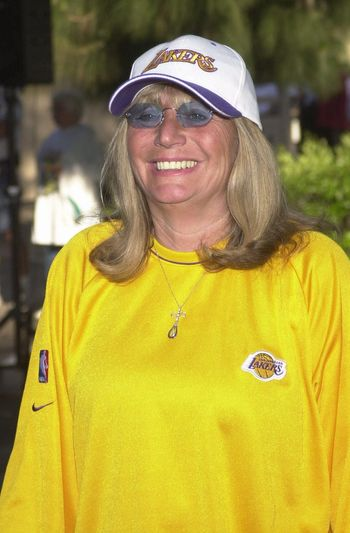 """Penny Marshall at the MS Walk 2000, where the cast of """"Laverne and Shirley"""" reunited. Burbank, 04-09-00"""