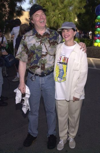 """Michael McKean and Cindy Williams at the MS Walk 2000, where the cast of """"Laverne and Shirley"""" reunited. Burbank, 04-09-00"""