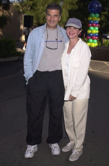 """Robert Forster and Cindy Williams at the MS Walk 2000, where the cast of """"Laverne and Shirley"""" reunited. Burbank, 04-09-00"""