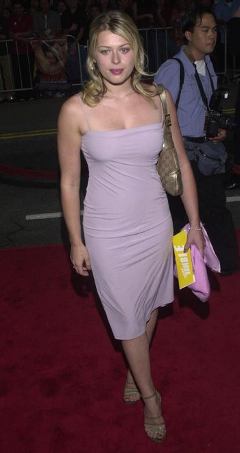 """Amanda De Cadenet at the premiere of Warner Brother's """"READY TO RUMBLE"""" in Hollywood, 04-05-00"""