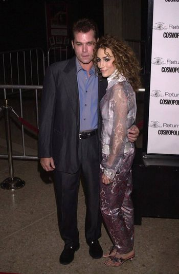 """Ray Liotta and wife Michelle at the premiere of MGM's """"RETURN TO ME"""" in Century City, 04-03-00"""