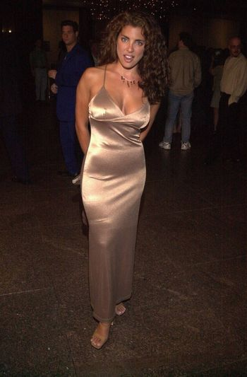 Elizabeth Giordano at the premiere of Very mean Men in Beverly Hills. 08-15-00