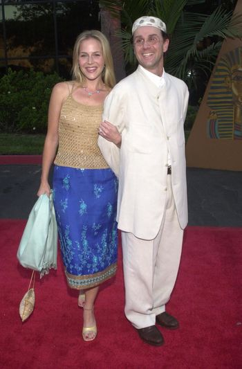 Julie Benz and Jon Kassir at the Planet Hope Gala hosted by Sharon and Kelly Stone in Woodland Hills. 08-07-00