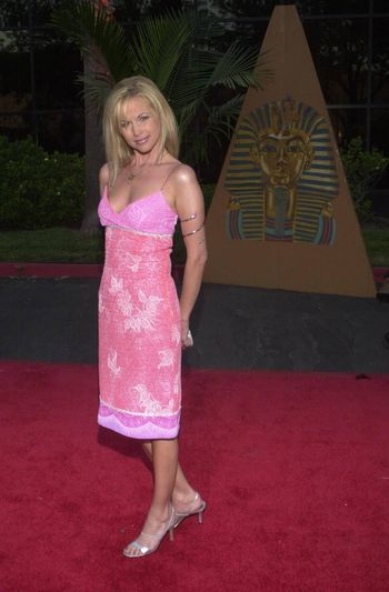 Suzanne Sena at the Planet Hope Gala hosted by Sharon and Kelly Stone in Woodland Hills. 08-07-00