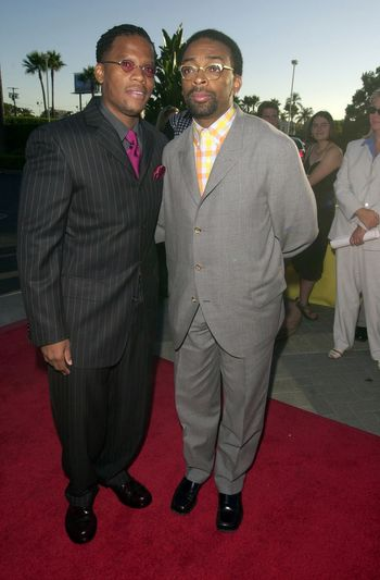 """Spike Lee and D.L. Hughley at the premiere of """"Original Kings of Comedy"""" in Hollywood. 08-10-00"""