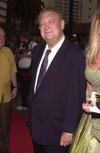 Rodney Dangerfield at the premiere of My 5 Wives in Santa Monica. 08-28-00