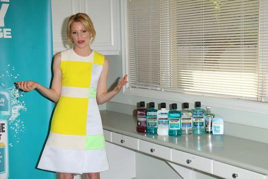 Elizabeth Banks Kicks Off The Listerine 21 Day Challenge, Children's Dental Center of Greater Los Angeles, Inglewood, CA 02-13 14
