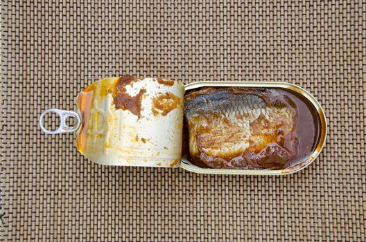 open fish conserve box