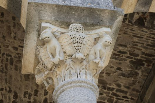 Romanesque capital