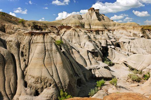 View of the Badlands and hoodoos in Dinosaur provincial park, Alberta, Canada