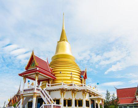 Wat golden stupa or jedi