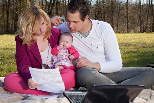 Young family is having some financial issues to paying the invoices