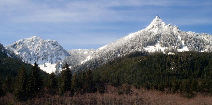 Pointed Ridge Top Cascade Mountain Range North Cascades Washington