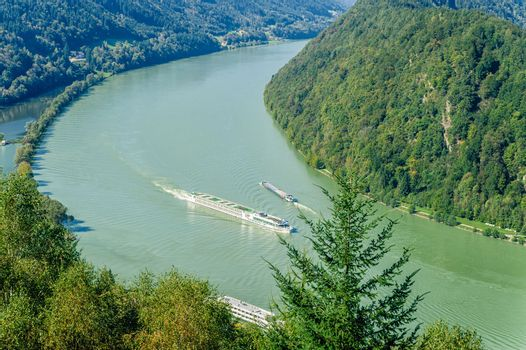 Traffic on the Danube River