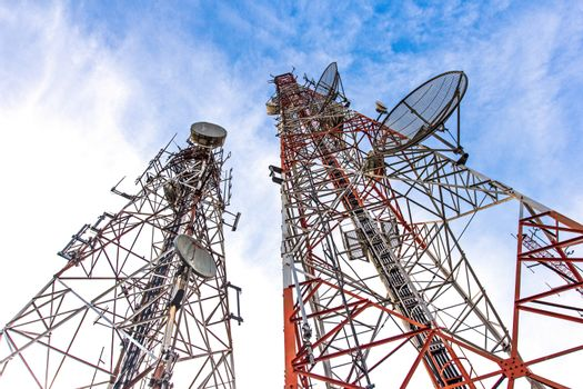 telecommunication tower It is characterized by high towers made