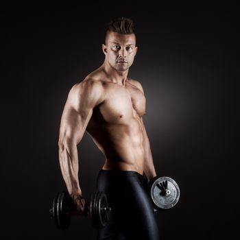 Muscular man weightlifting