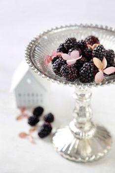 Blackberries on serving dish