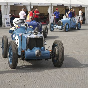 Melbourne Formula One, MG and other antique racers in 2010