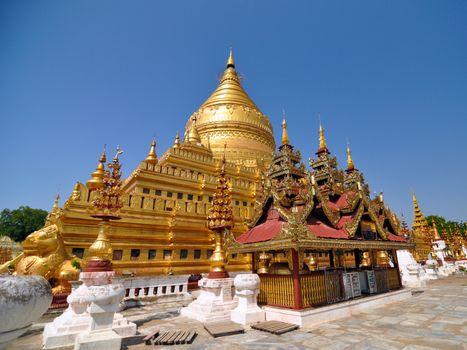 Shwezigon Paya Pagoda, Landmark in Bagan