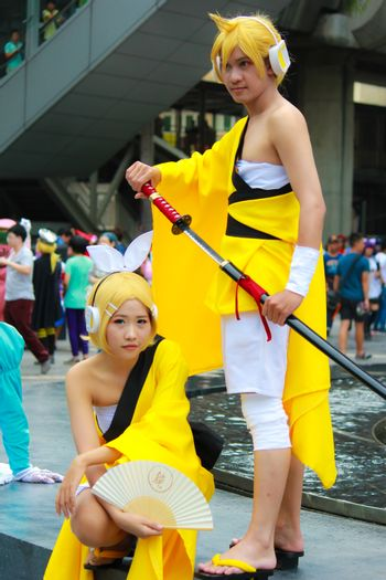 Bangkok - Aug 31: An unidentified Japanese anime cosplay Rin and Len pose  on August 31, 2014 at Central World, Bangkok, Thailand.