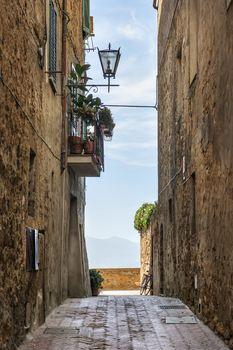 Narrow alley Pienza