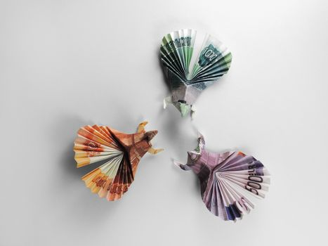 three birds origami banknotes