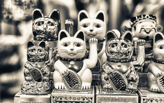 Maneki Neko Japan Lucky Cats