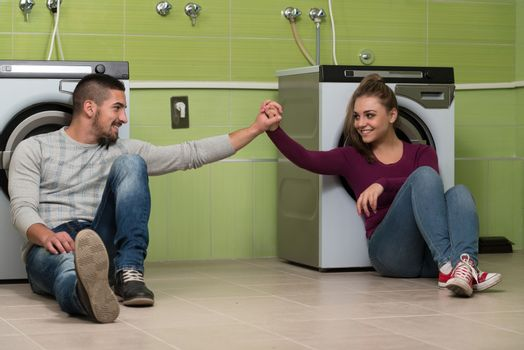 Pretty Couples In The Laundry Room