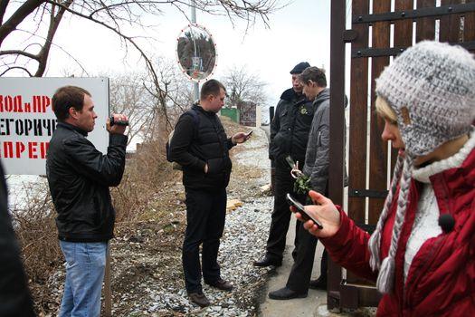 Inspection ecologists near the Governor's house Tkachev