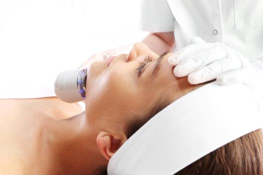 Sloping oval of the face  Ultrasound beauty treatment
